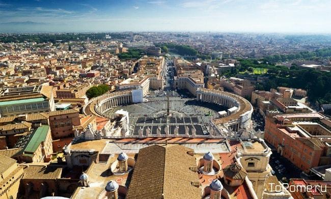 Вид на площадь с купола собора Святого Петра