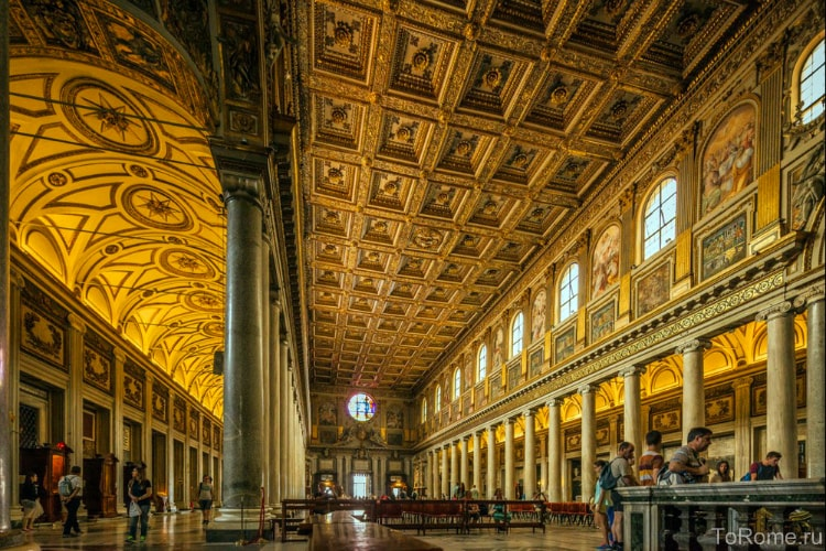 Потолок в Санта-Мария-Маджоре в Риме