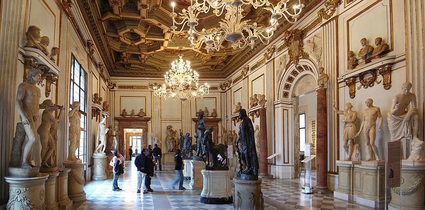 Внутри галереи Боргезе