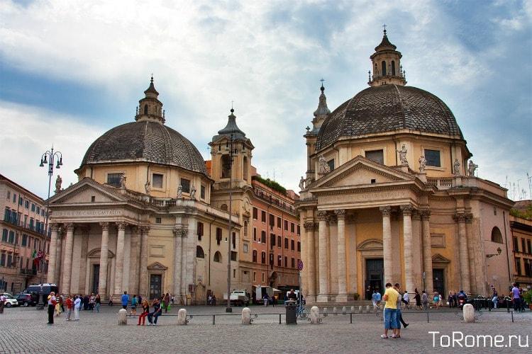Санта-Мария-ди-Монтесанто и Санта-Мария-деи-Мираколи два храма также называют церкви-близнецы из-за сильного сходства