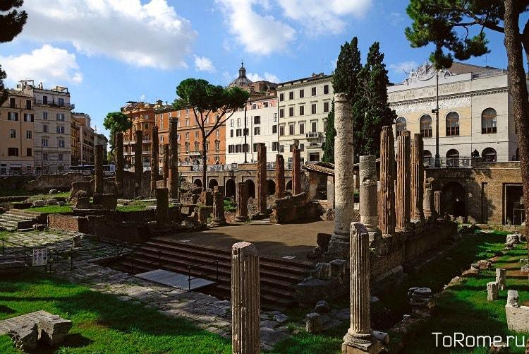 Раскопки на Торре-Аржентина в Риме