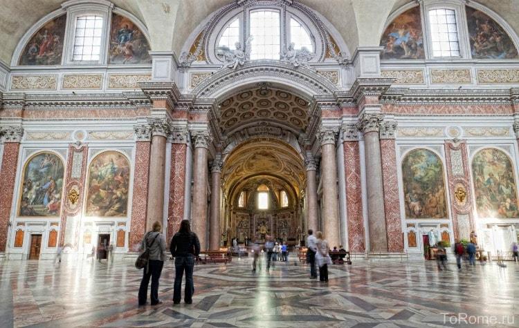 Церковь Санта Мария дельи Анджели на территории терм Диоклетиана