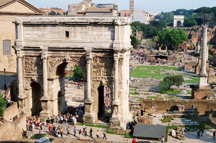 Триумфальная арка септимия в Риме