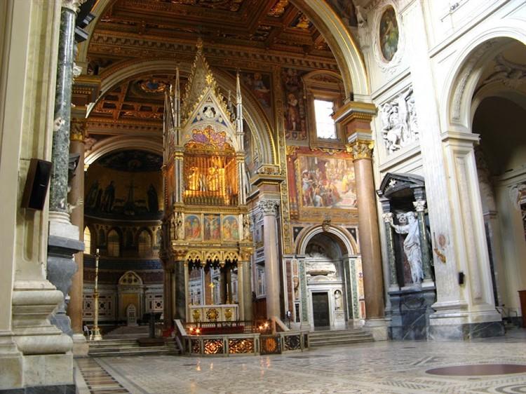 Латеранская базилика или где обитает Папа Римский