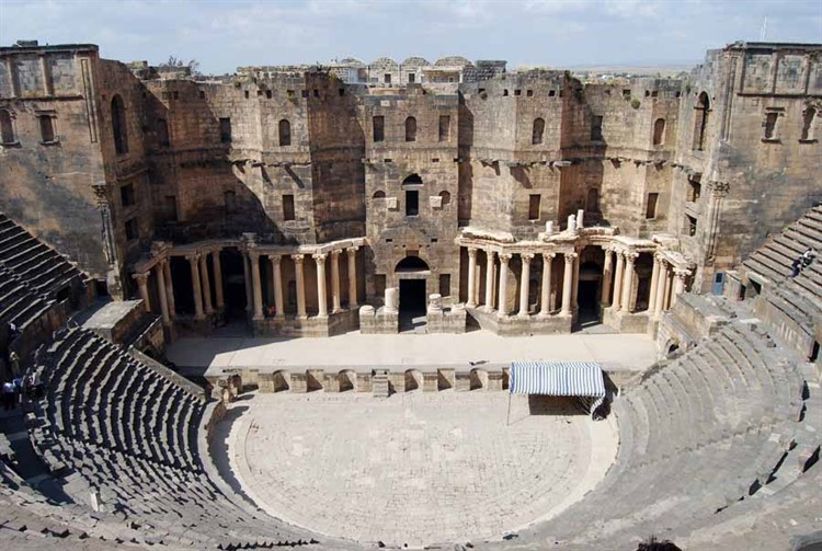 Театр Марцелла – достопримечательность времен античности