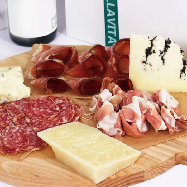 Итальянское мясо и сыр