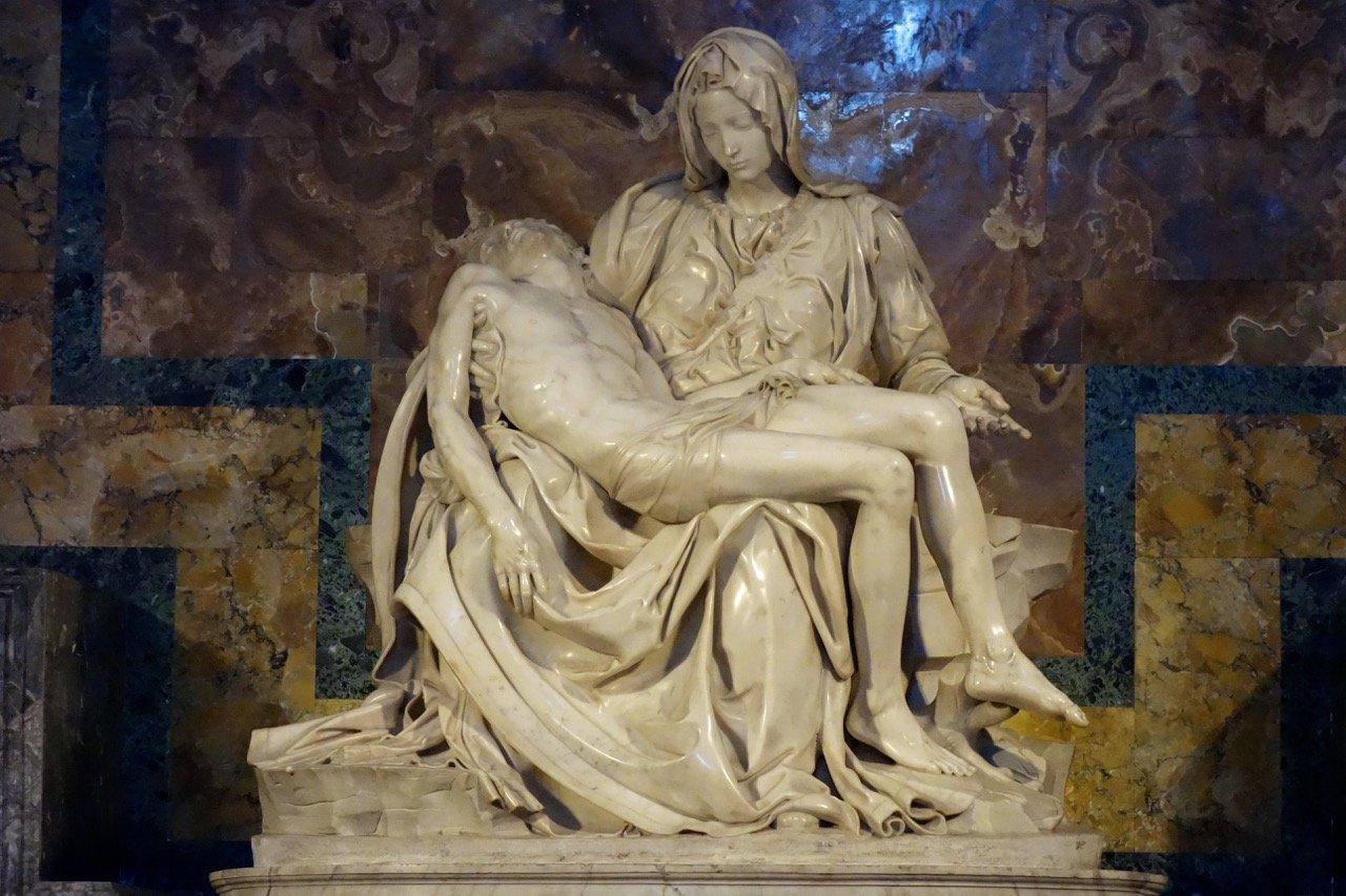 Пьета Минеланджело в соборе Святого Петра