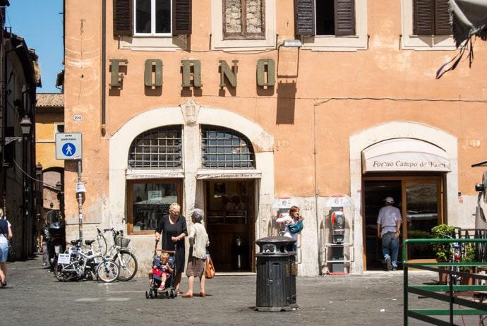 Пиццерия Forno Campo De' Fiori в Риме