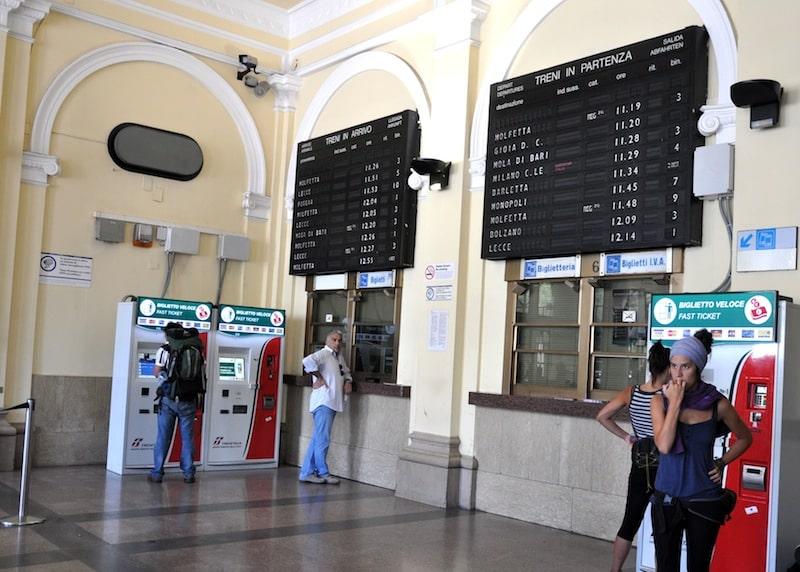 Расписание на поезд в Италии