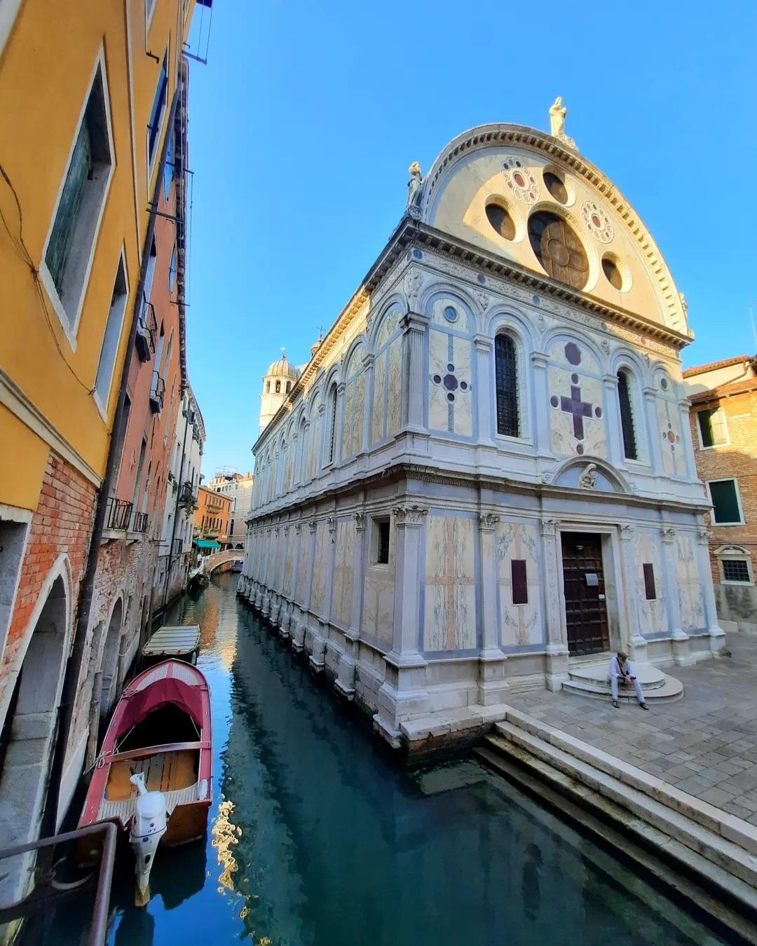 Церковь Санта-Мария деи Мираколи в Венеции