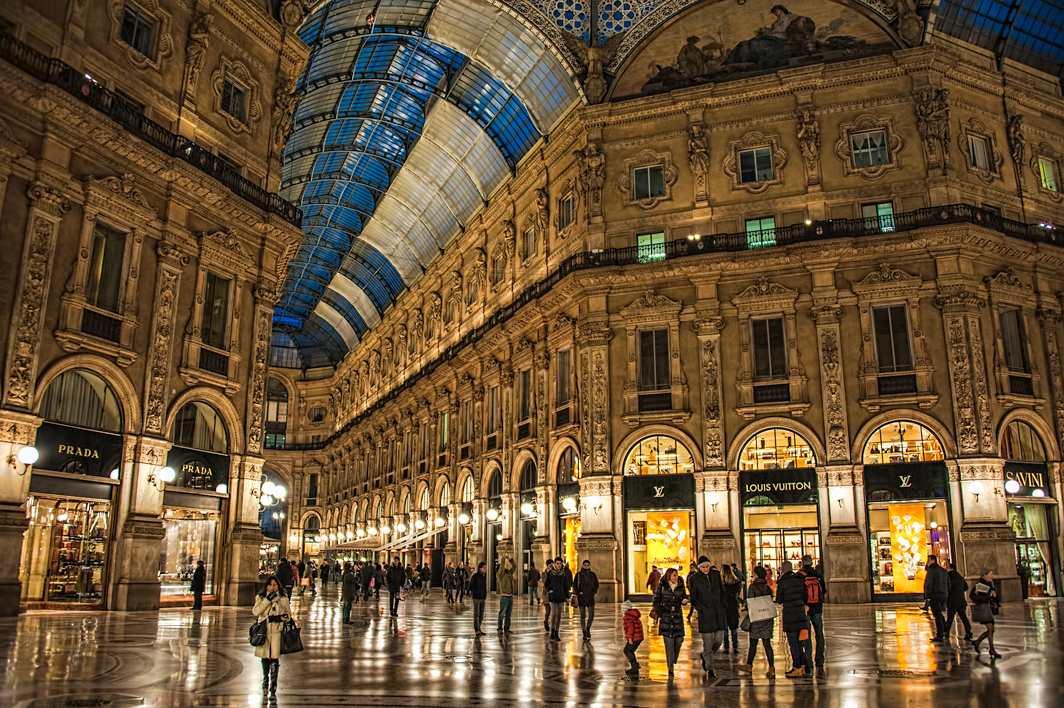 Улица Corso Vittorio Emanuele II в Милане
