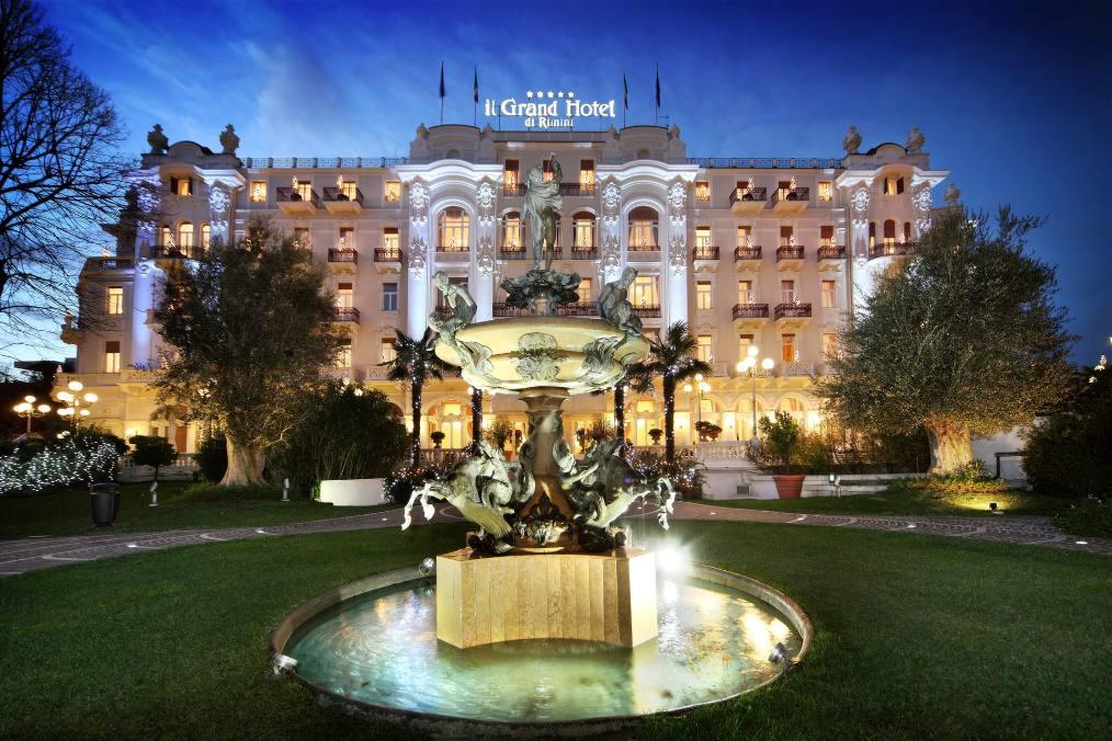 гостиница  — «Grand Hotel»