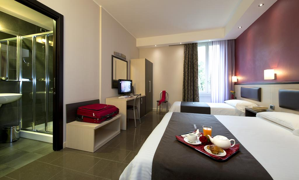 Отель Five в Милане