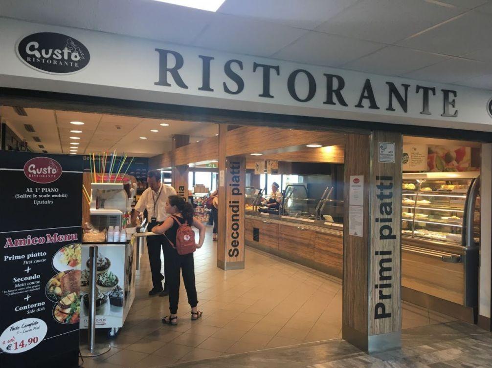 Кафе и рестораны в Аэропорту Пизы