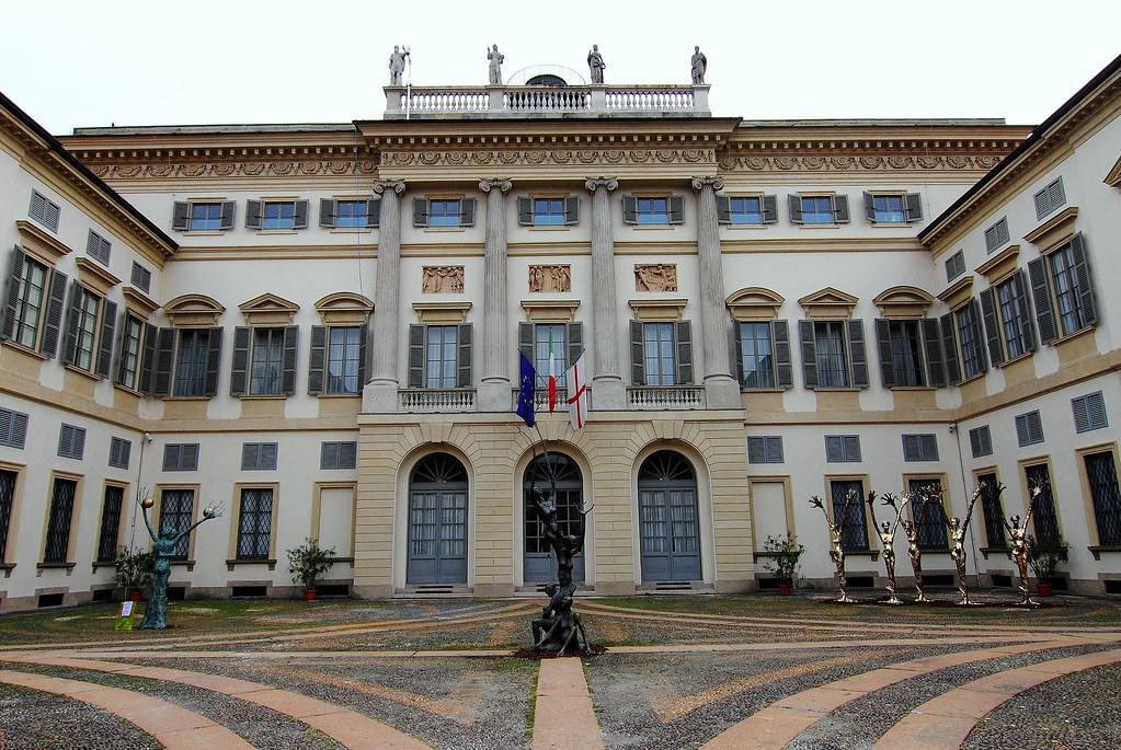 Королевская Вилла в Милане