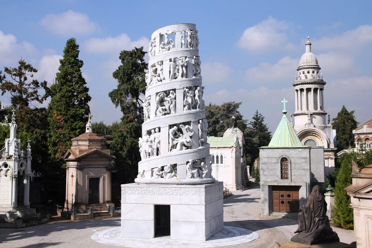 Монументальное кладбище  в Милане