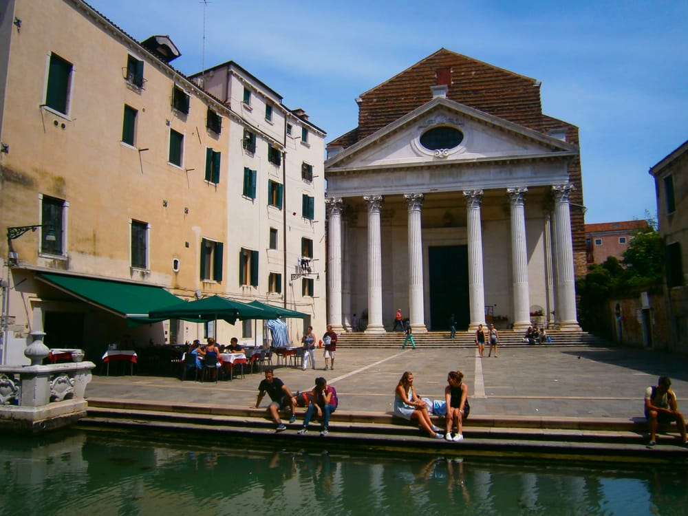 церковь Сан-Никола-Да-Толентино в Венеции
