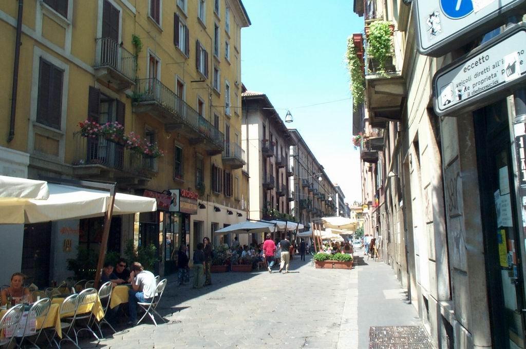 Улица Via Brera в Милане