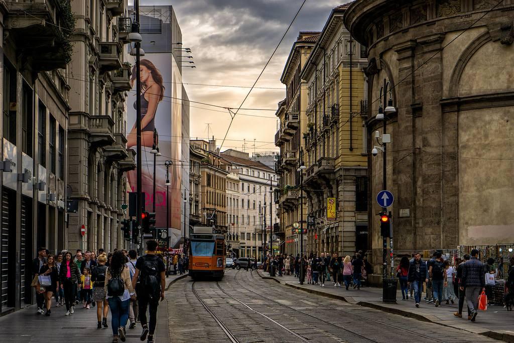 Улица Via Torino в Милане