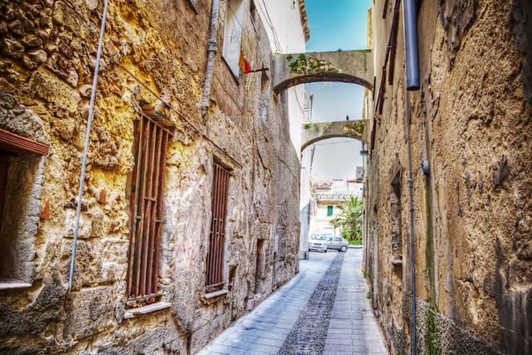 Город Сассари на острове Сардиния