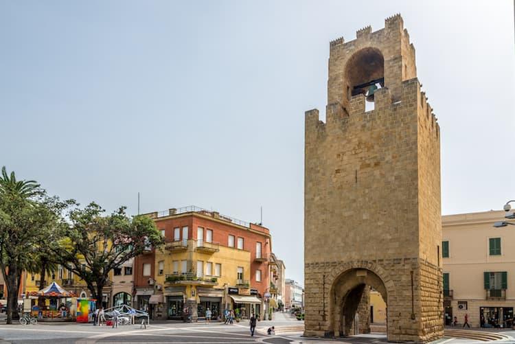 Город Ористано на острове Сардиния