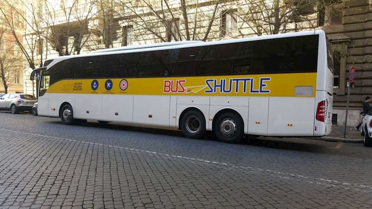 Автобус между Римом и портом Чивитавеккья