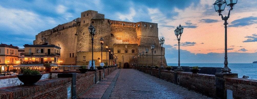 Замок Кастель-дель-Ово