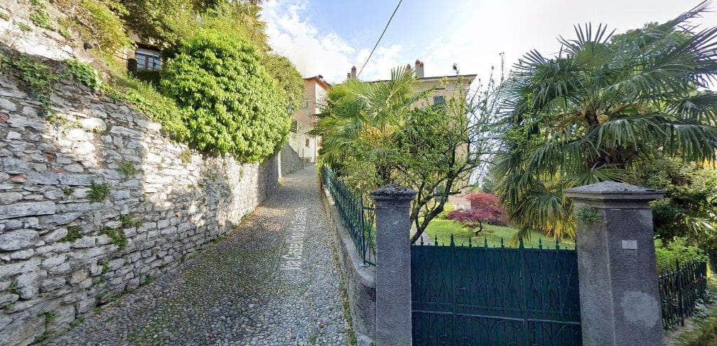 улица Castellino di Castello Менаджио