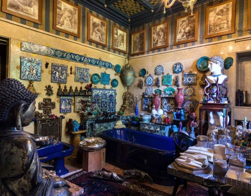 Габриэле Д'Аннунцио ванная комната