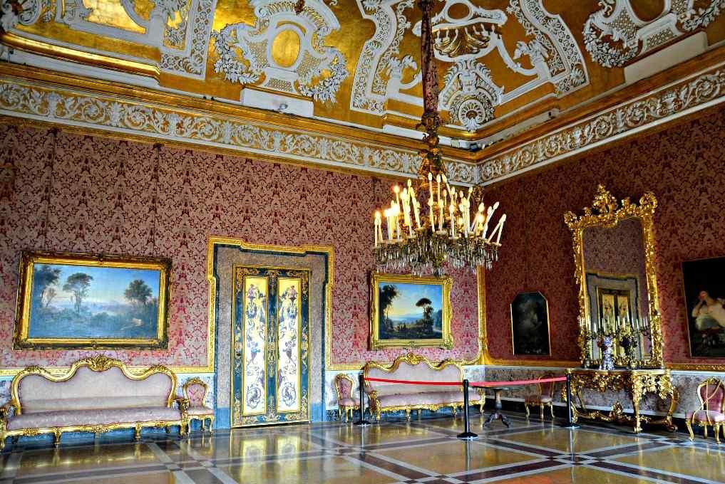 Королевский Дворец Неаполь