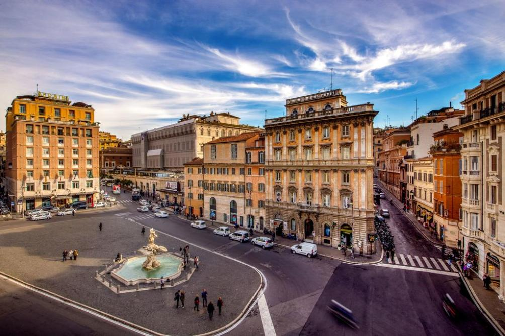 Площадь Барберини в Риме