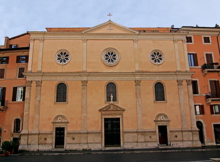 Церковь Санта-Мария-дель-Сакро-Куоре в Риме