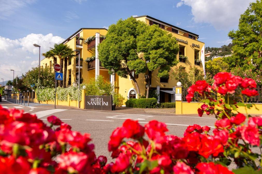 Отель Santoni
