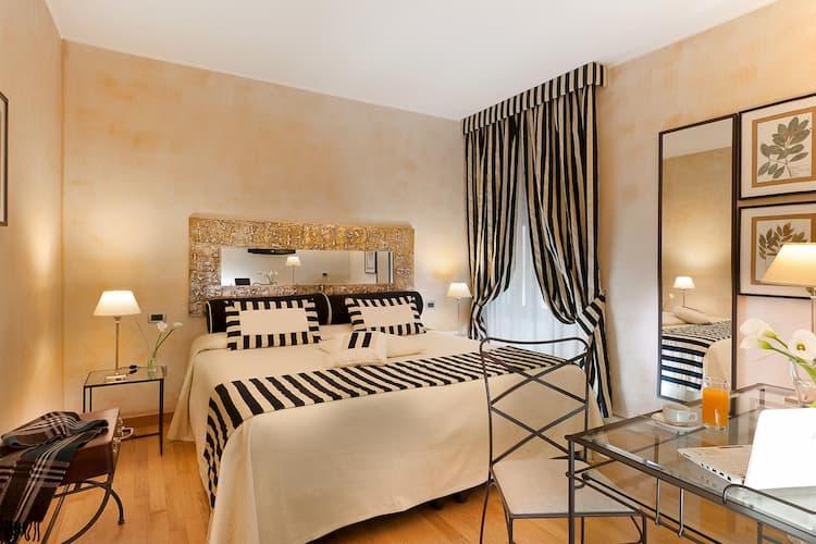 Отель Hotel Mastino в Вероне