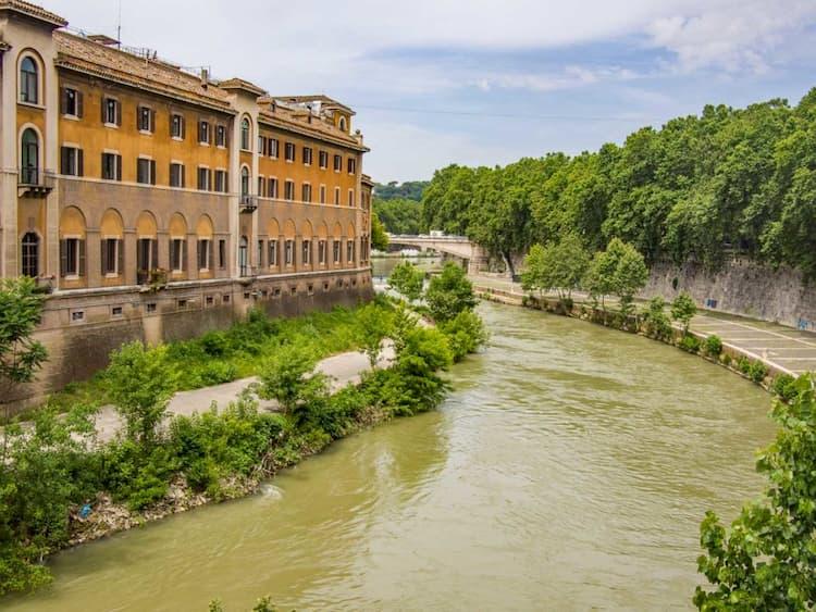 Остров Тиберина в Риме