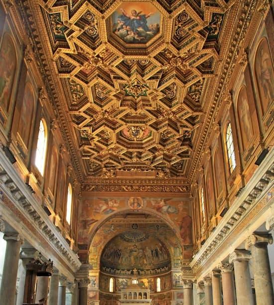Потолок церкви Санта Мария ин Трастевере