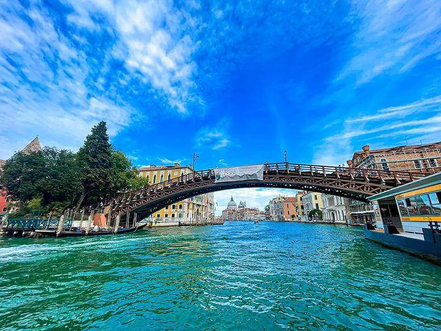 Мост Академии в Венеции