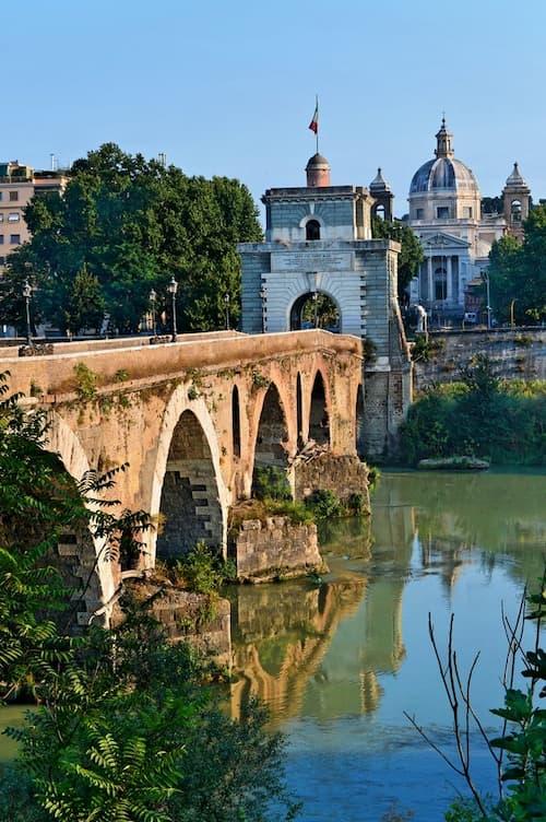 Мульвиев мост в Риме