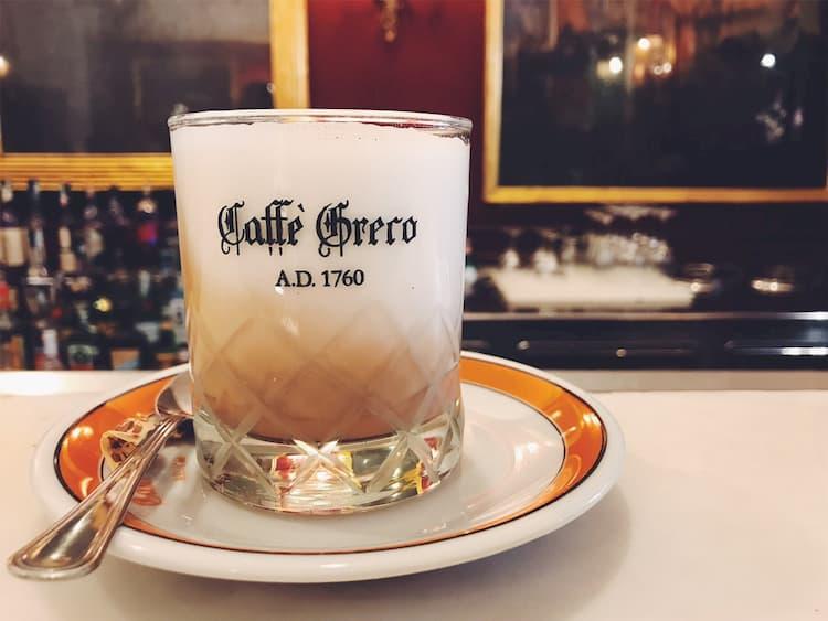 Кофе в Caffe Greco в Риме