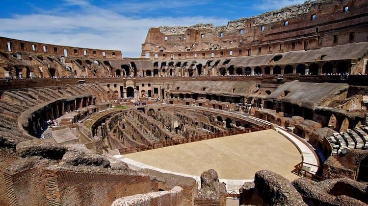 Колизей после разрушения в Риме